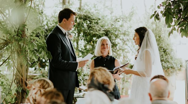 Writing your own wedding vows, bespoke weddings