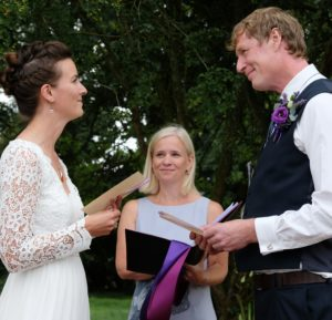 Handfasting-ceremony-Sussex